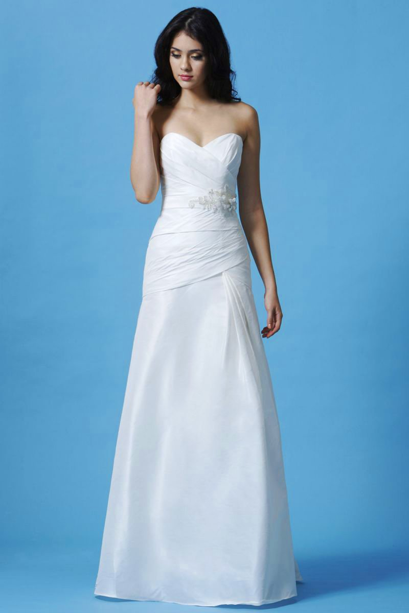 ANN MATTHEWS BRIDAL WEDDING DRESS COLLECTION